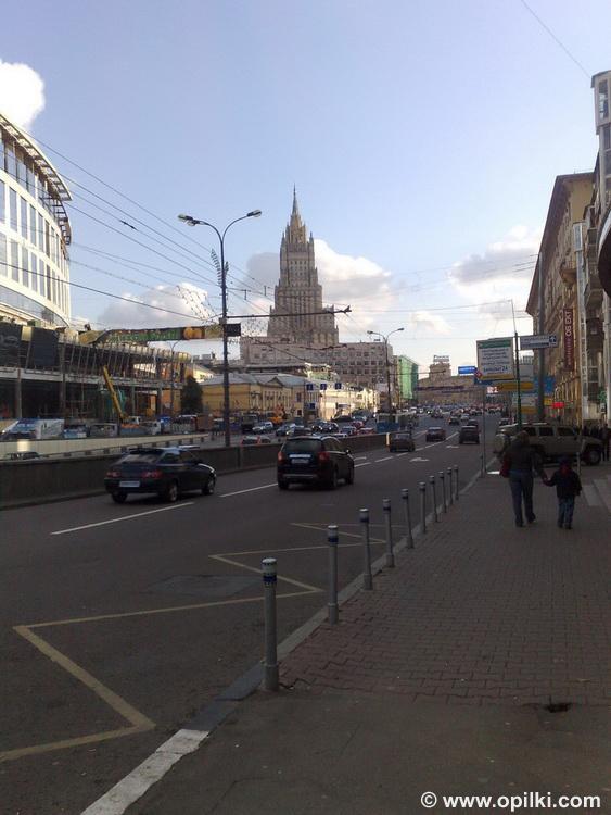 Не знаю, кому как, а мне Москва кажется красивой.