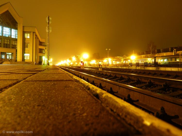 Вокзал и рельсы