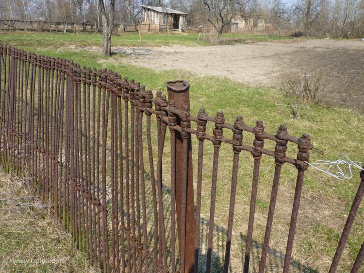 Забор любопытной конструкции