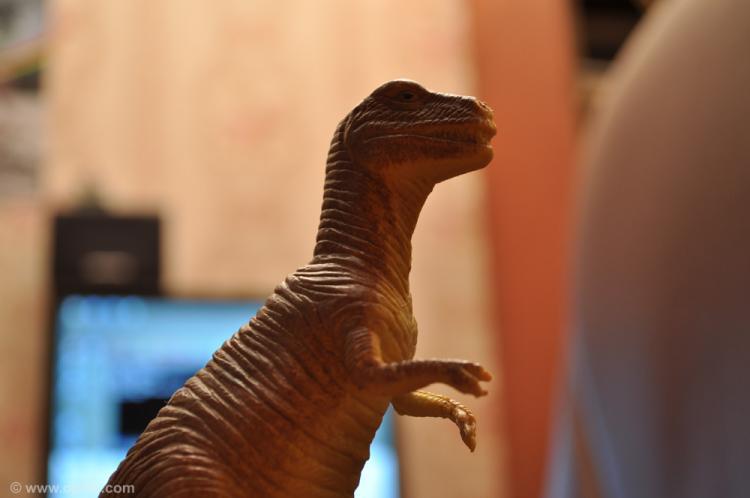 Этот динозавр любит тебя
